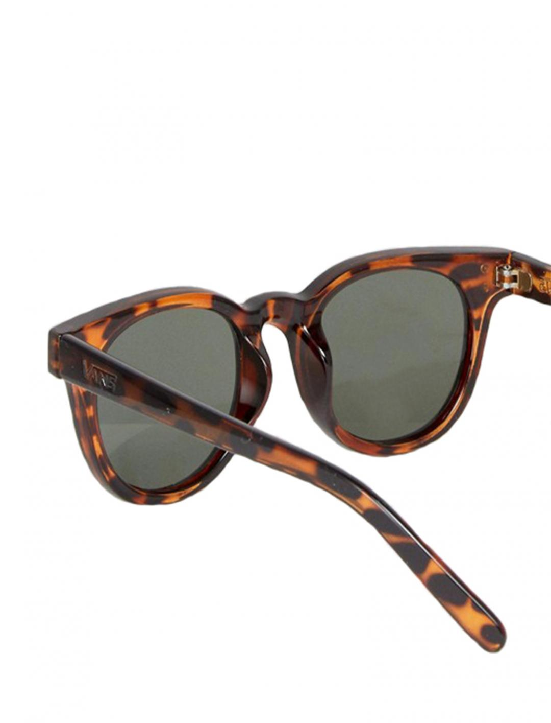 "Welborn Sunglasses {""id"":16,""product_section_id"":1,""name"":""Accessories"",""order"":15} VANS"