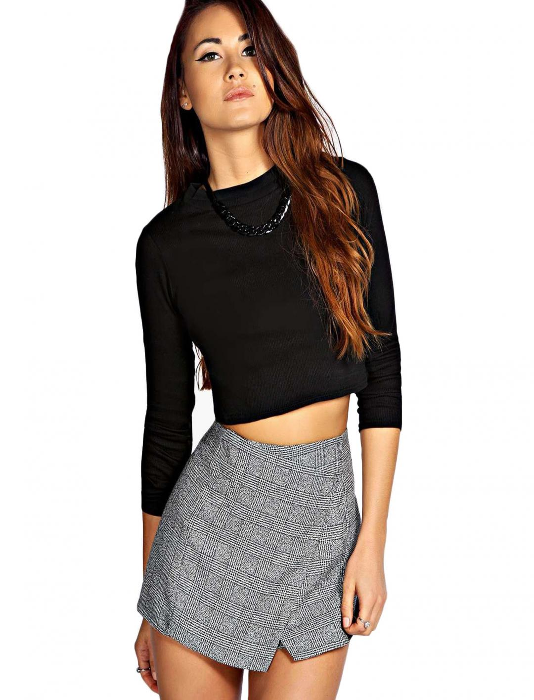 "Turtle Crop Top {""id"":5,""product_section_id"":1,""name"":""Clothing"",""order"":5} Boohoo"