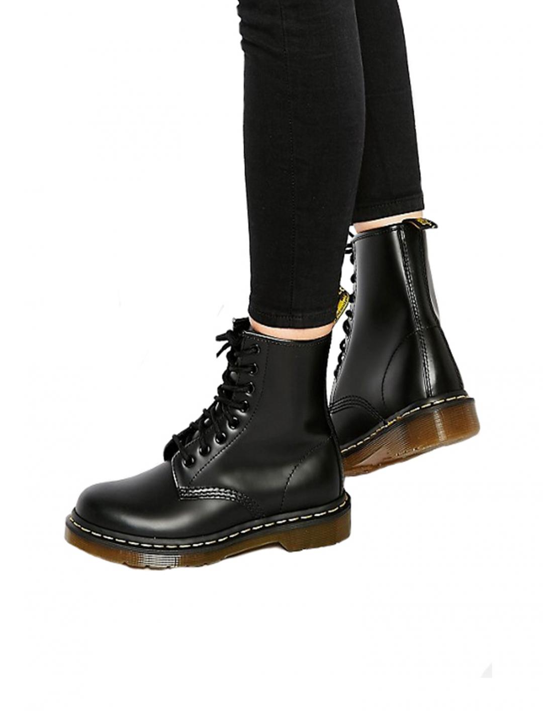 Classics Smooth Boots Shoes Dr Martens