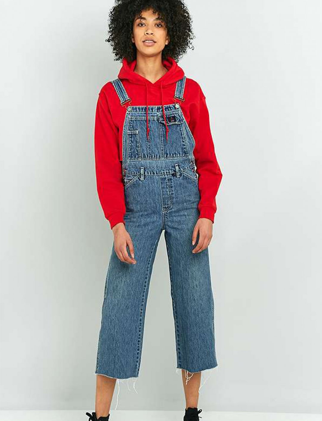 "Cropped Denim Dungarees {""id"":5,""product_section_id"":1,""name"":""Clothing"",""order"":5} Urban Outfitters"
