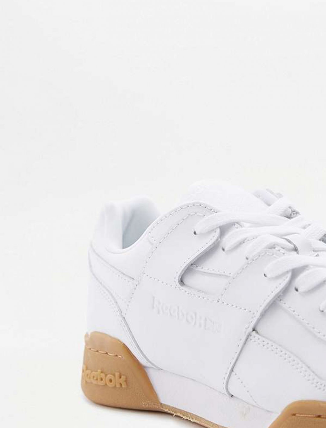 "White  Trainers {""id"":12,""product_section_id"":1,""name"":""Shoes"",""order"":12} Reebok"