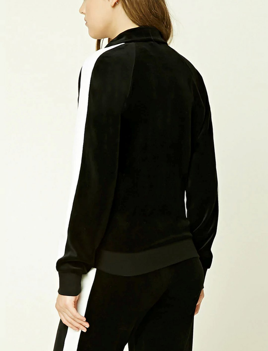 "Velvet Track Jacket {""id"":5,""product_section_id"":1,""name"":""Clothing"",""order"":5} Forever21"
