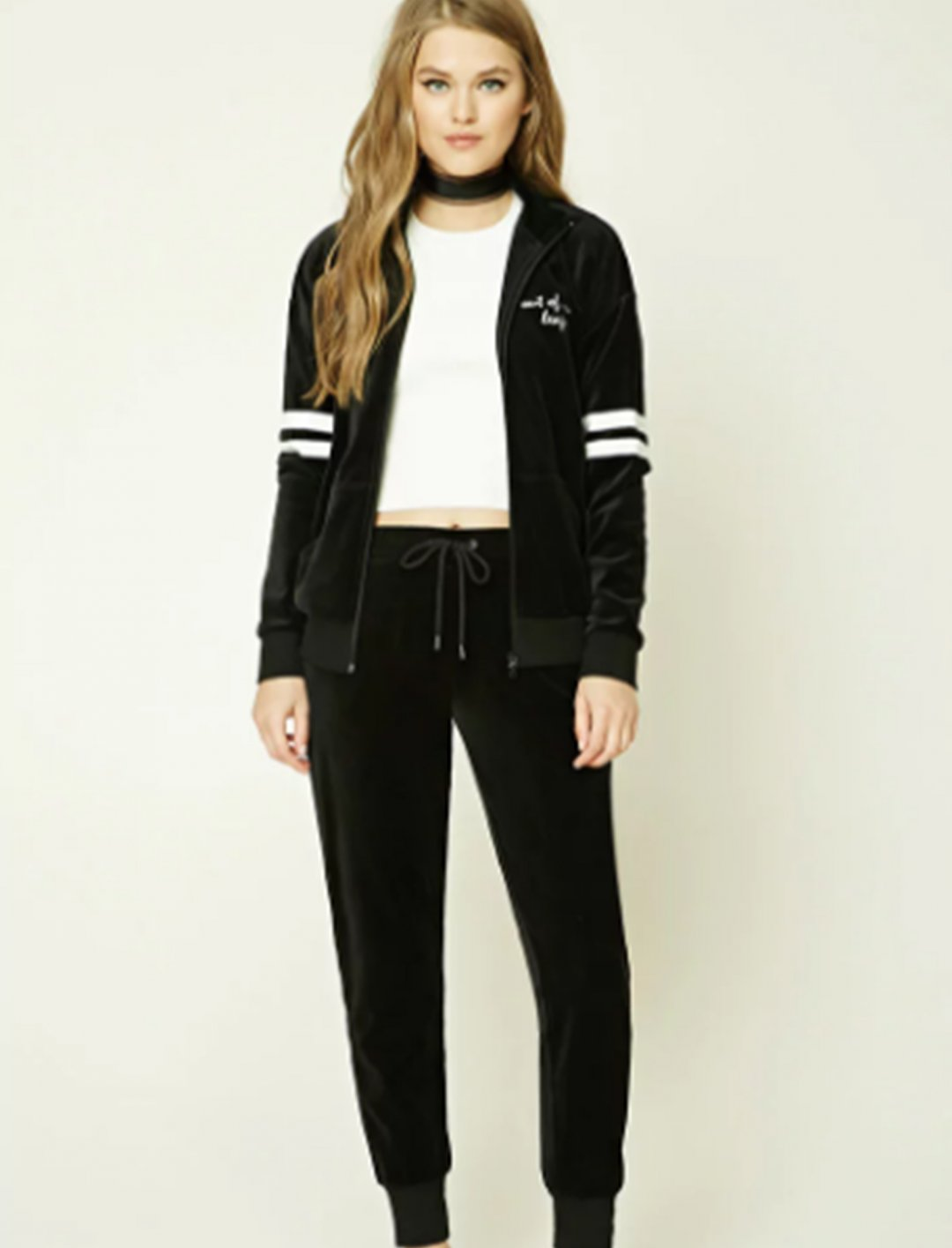 "Embroidered Velvet Jacket {""id"":5,""product_section_id"":1,""name"":""Clothing"",""order"":5} Forever 21"