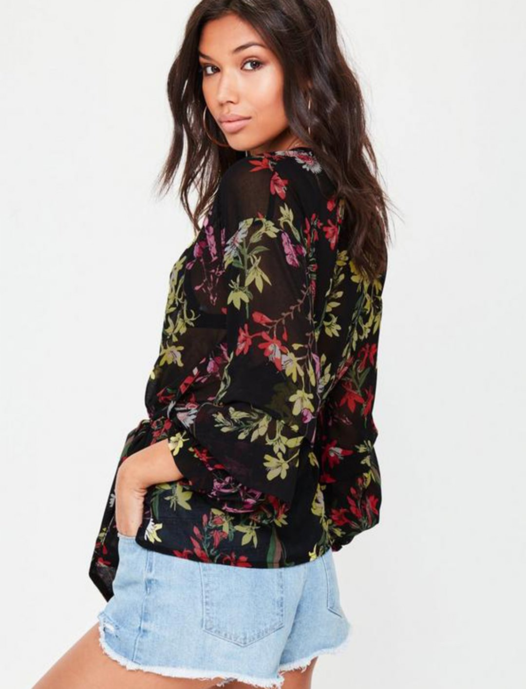 "Floral Print Blouse {""id"":5,""product_section_id"":1,""name"":""Clothing"",""order"":5} Missguided"