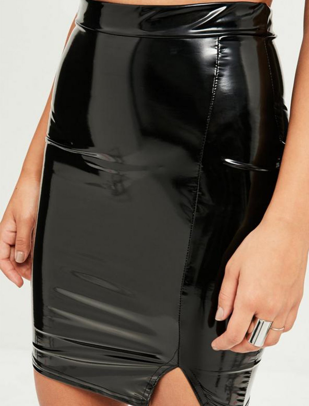 "Vinyl Mini Skirt {""id"":5,""product_section_id"":1,""name"":""Clothing"",""order"":5} Missguided"