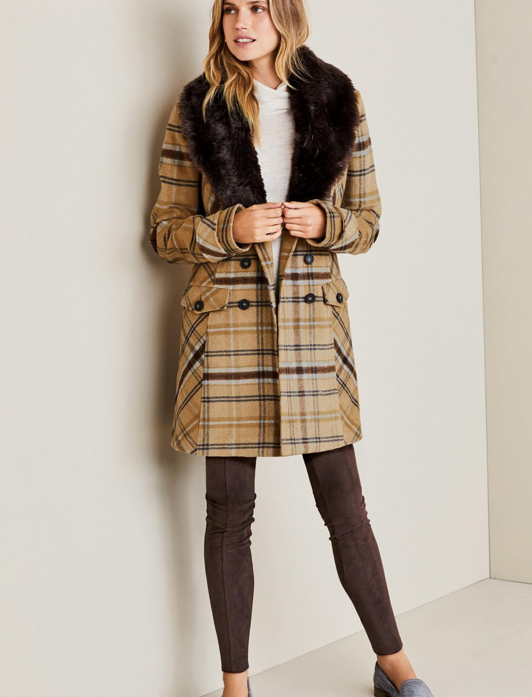 "Camel Faux Fur Collar Coat {""id"":5,""product_section_id"":1,""name"":""Clothing"",""order"":5} Next"