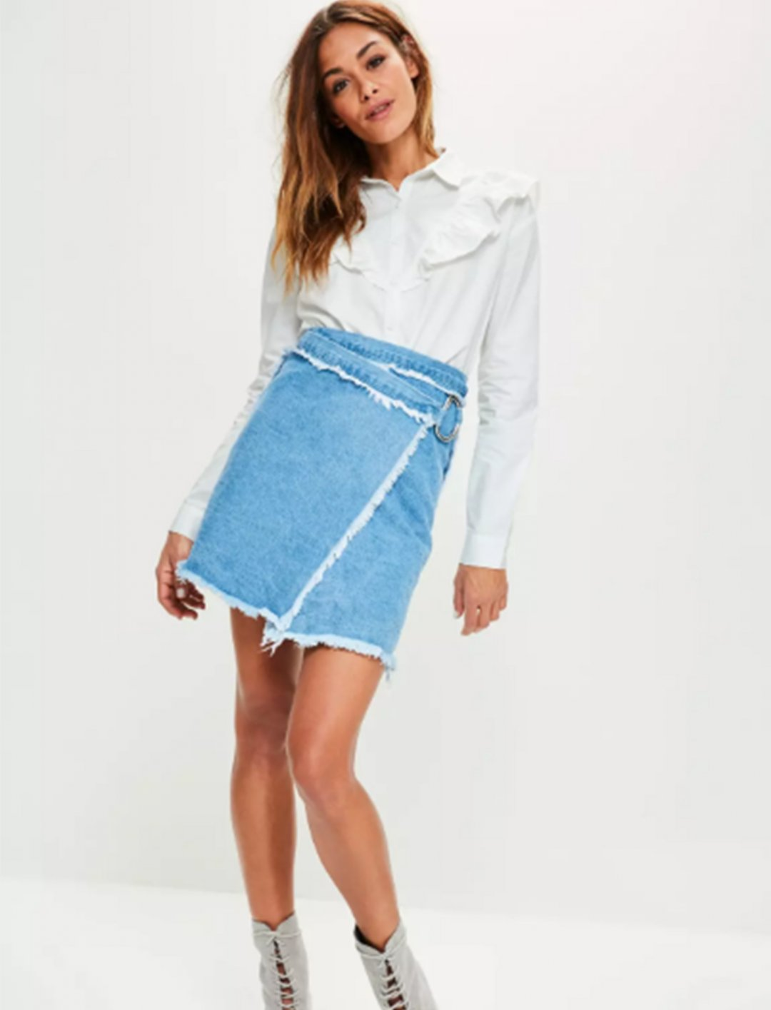 "Frill Detail Shirt {""id"":5,""product_section_id"":1,""name"":""Clothing"",""order"":5} Missguided"