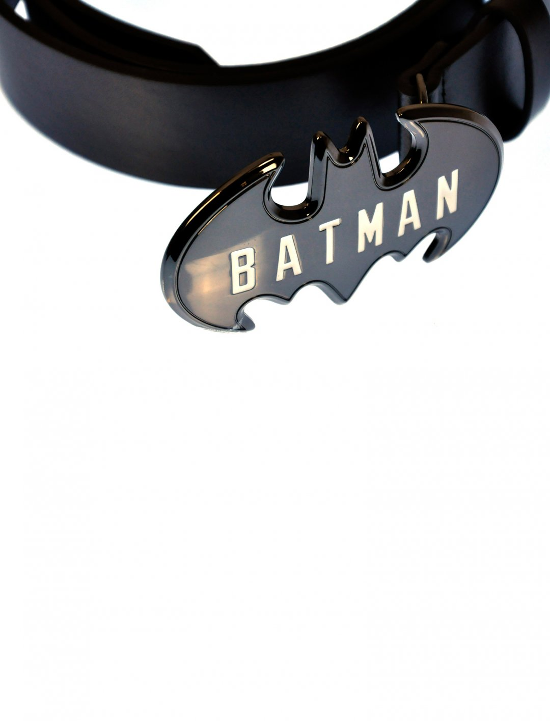 "Batman Logo Belt {""id"":16,""product_section_id"":1,""name"":""Accessories"",""order"":15} DC Comics"
