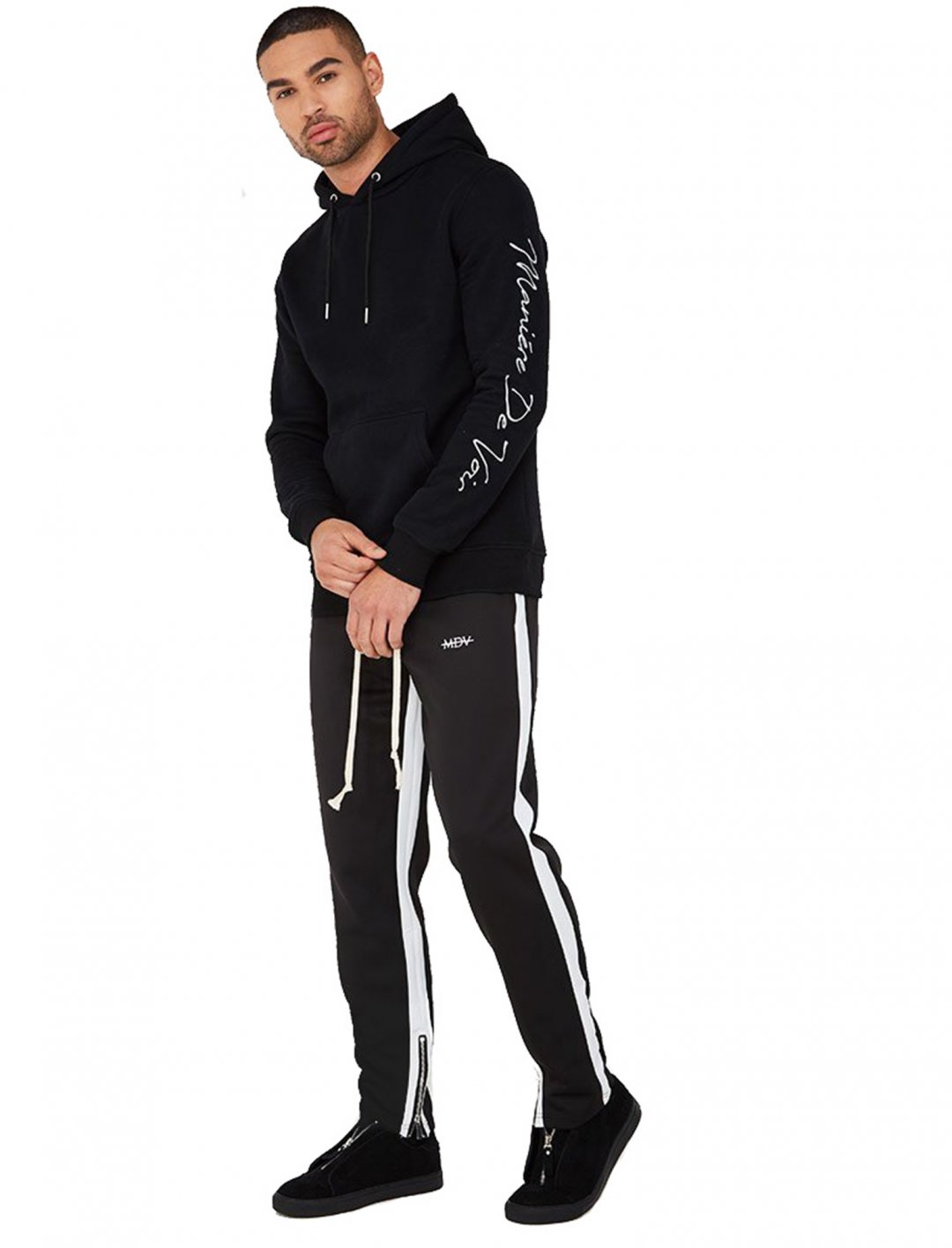 "Track Pants With Stripe {""id"":5,""product_section_id"":1,""name"":""Clothing"",""order"":5} Manière De Voir"