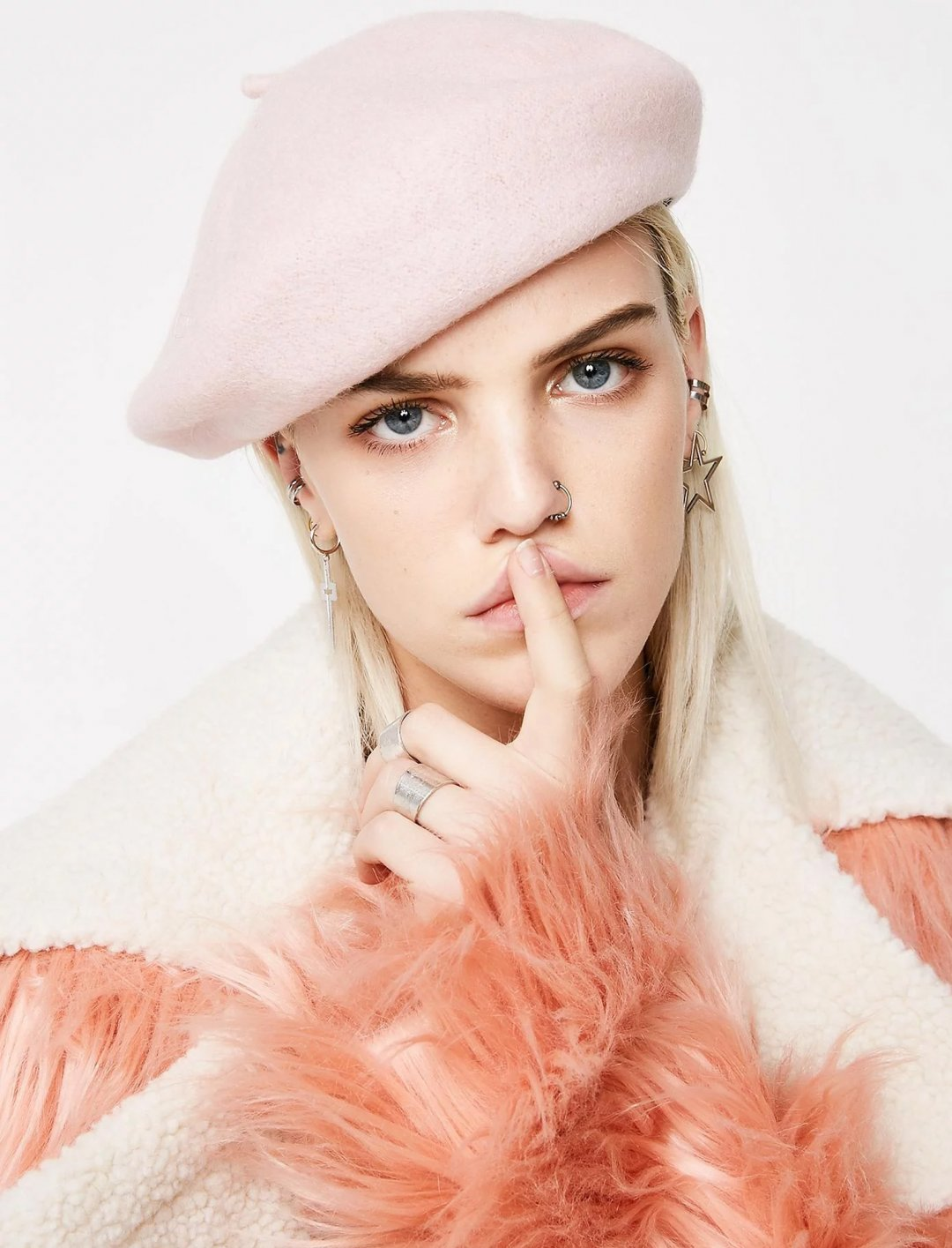 "Pink Beret {""id"":16,""product_section_id"":1,""name"":""Accessories"",""order"":15} Dollskill"