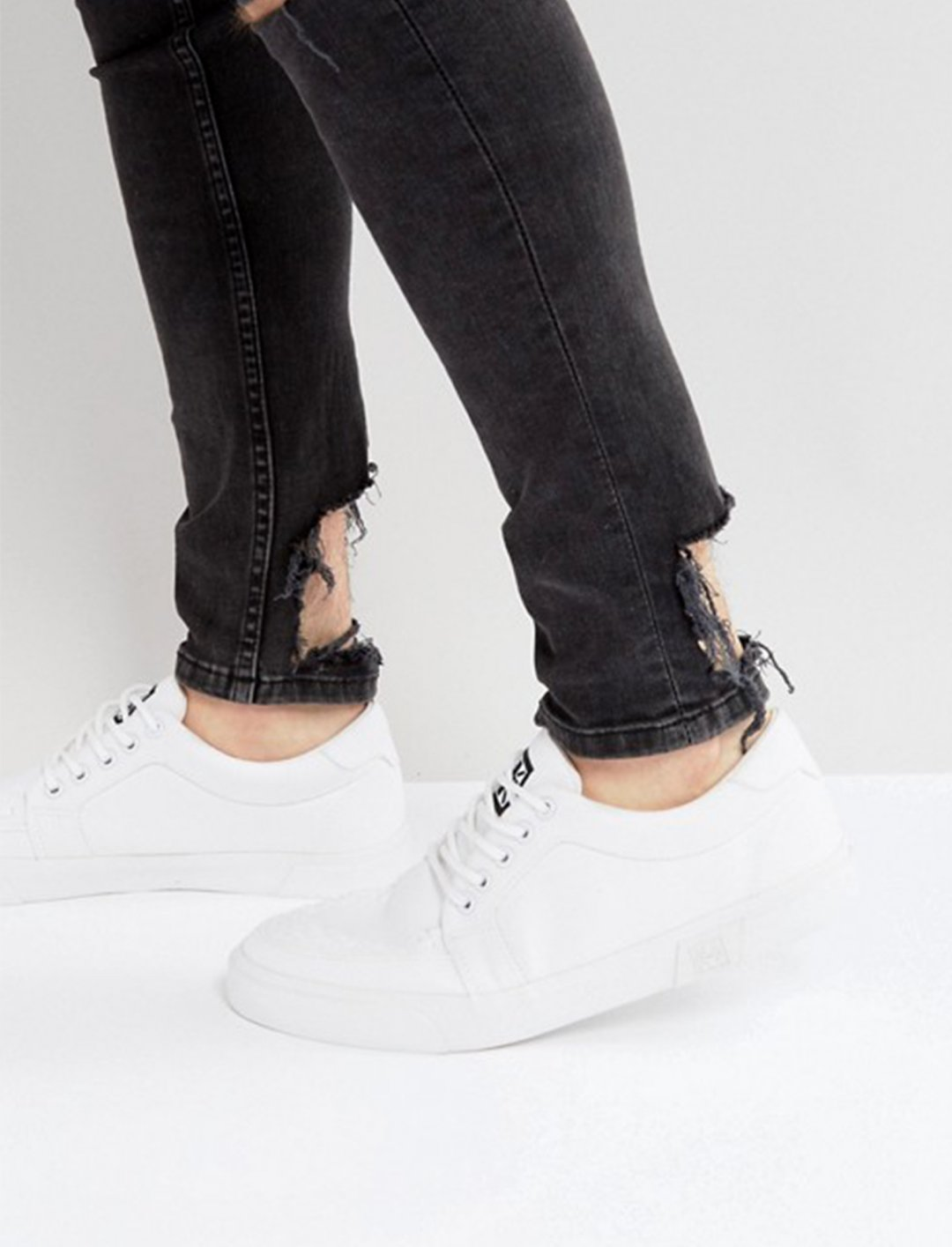 "Canvas Creeper Plimsolls {""id"":12,""product_section_id"":1,""name"":""Shoes"",""order"":12} T.U.K"