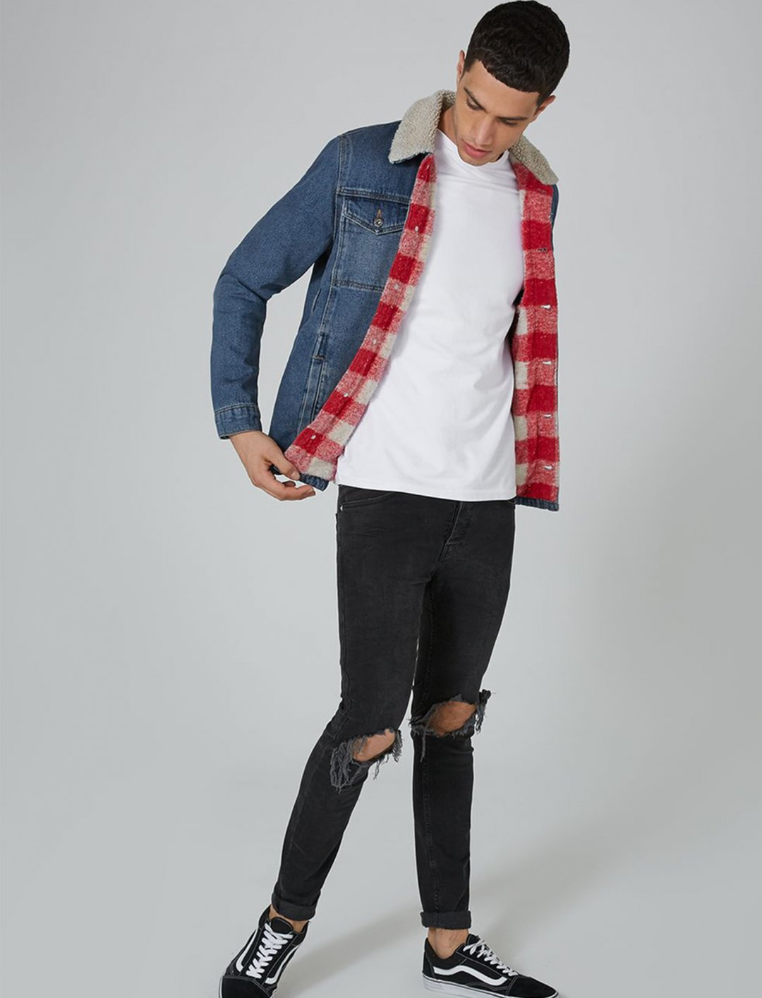 "Borg Lined Denim Jacket {""id"":5,""product_section_id"":1,""name"":""Clothing"",""order"":5} Topman"