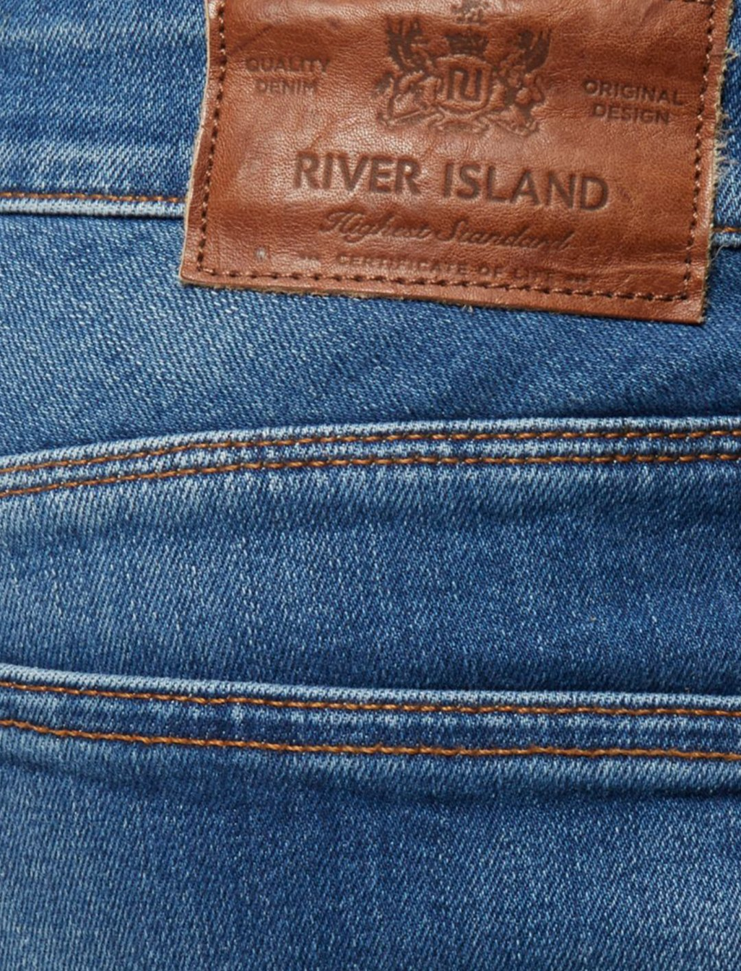 "Sid Jeans {""id"":5,""product_section_id"":1,""name"":""Clothing"",""order"":5} River Island"