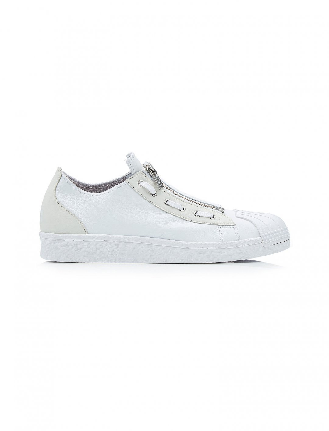 "Y-3 Leather Sneakers {""id"":12,""product_section_id"":1,""name"":""Shoes"",""order"":12} Y-3"
