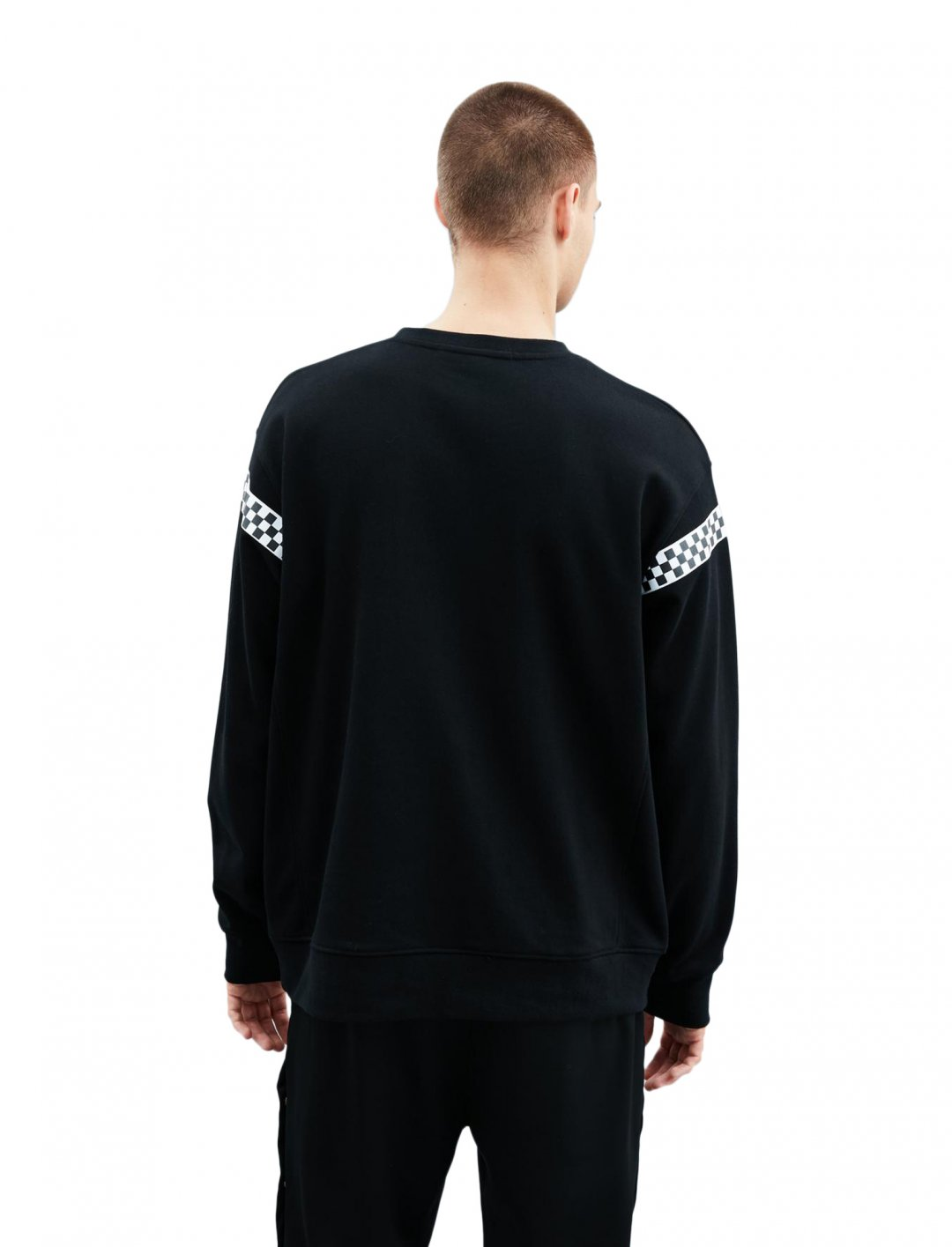 "Crew Neck Sweatshirt {""id"":5,""product_section_id"":1,""name"":""Clothing"",""order"":5} Mennace"