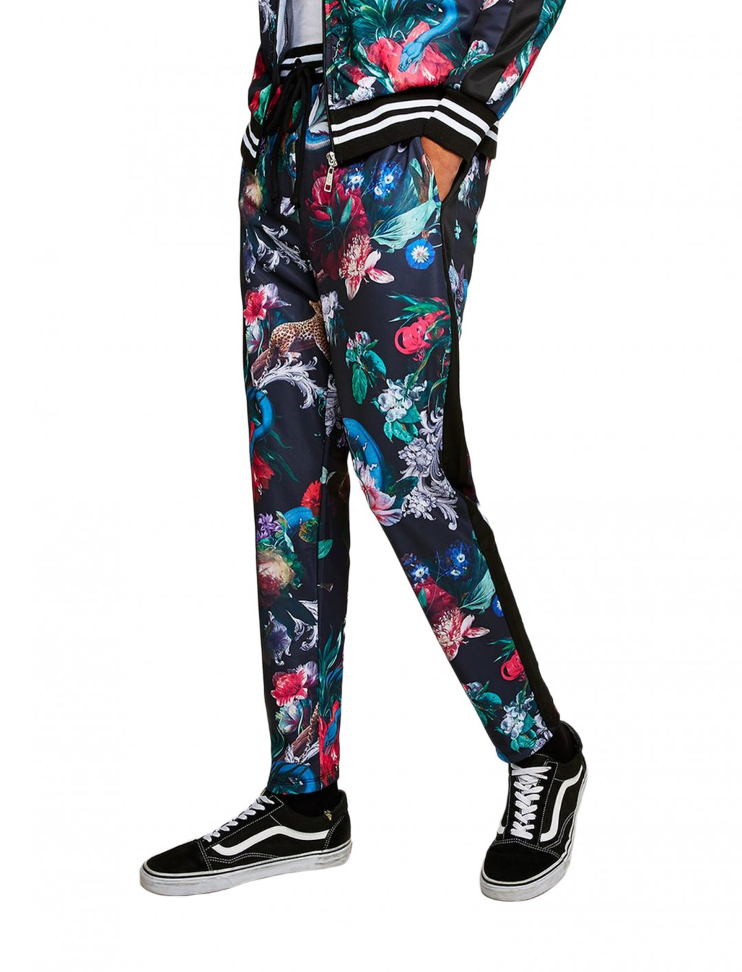 "Criminal Damage's Track Pants {""id"":5,""product_section_id"":1,""name"":""Clothing"",""order"":5} Criminal Damage"