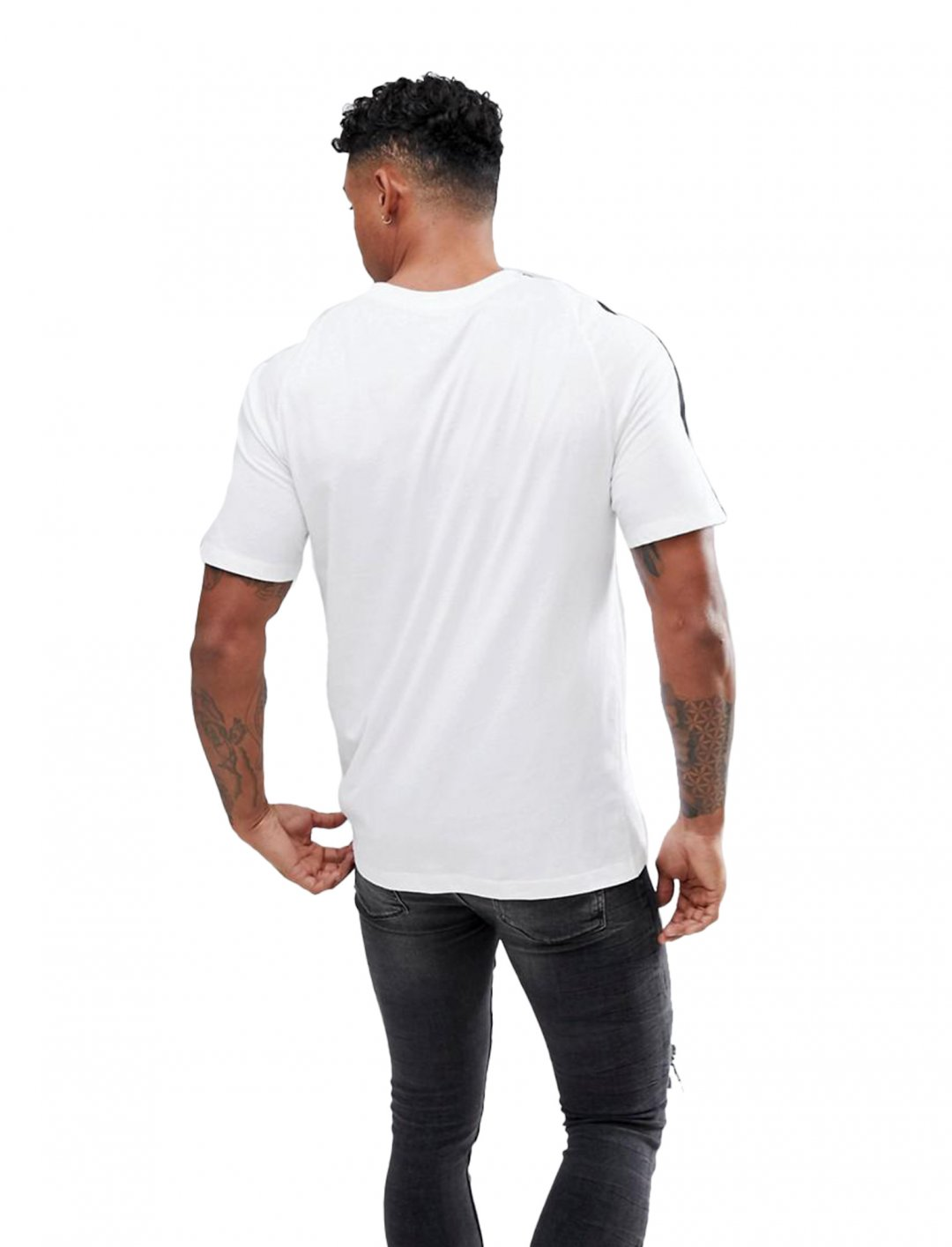 """Nike T-Shirt {""""id"""":5,""""product_section_id"""":1,""""name"""":""""Clothing"""",""""order"""":5} Nike"""
