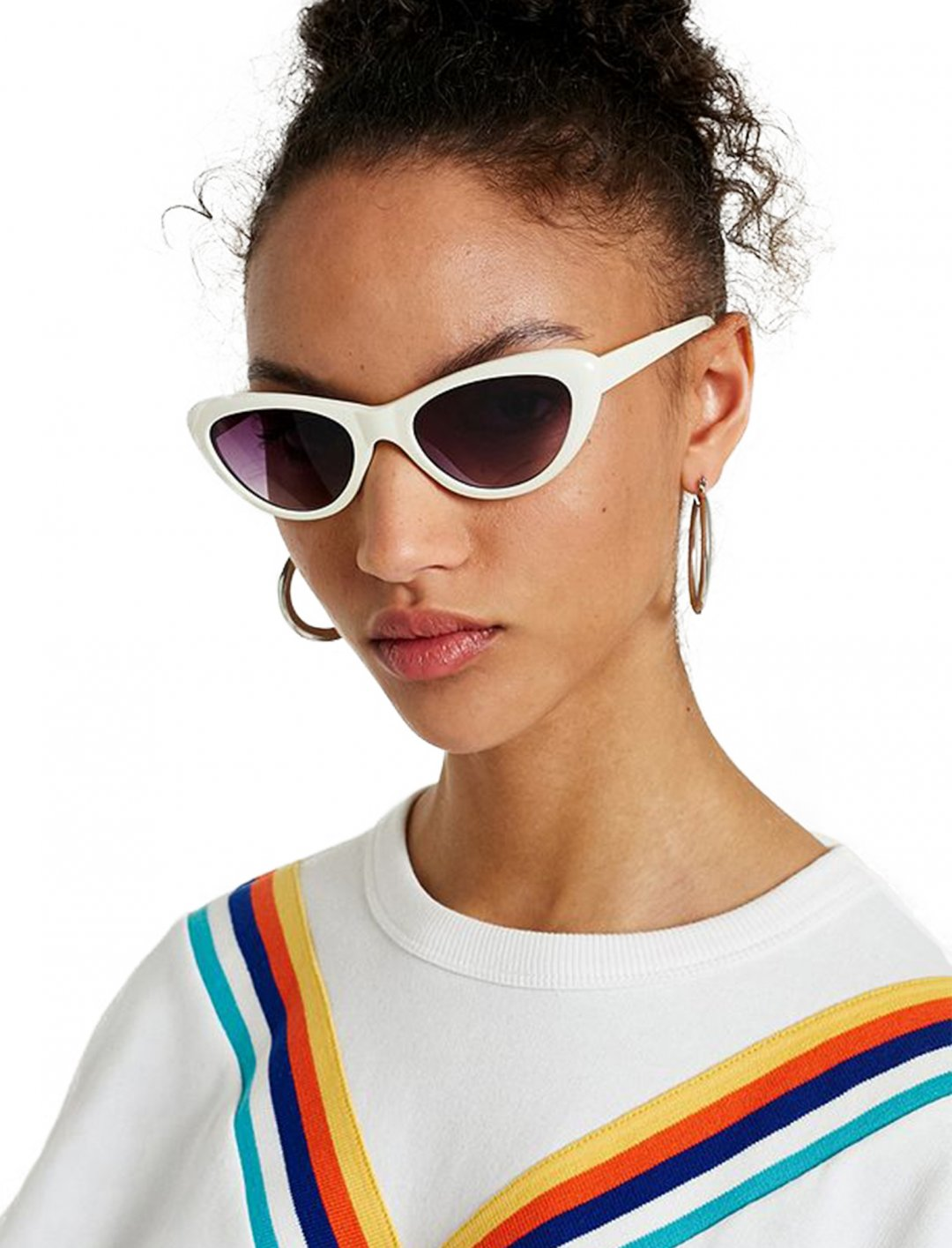 """UO Cat Eye Sunglasses {""""id"""":16,""""product_section_id"""":1,""""name"""":""""Accessories"""",""""order"""":15} Urban Outfitters"""
