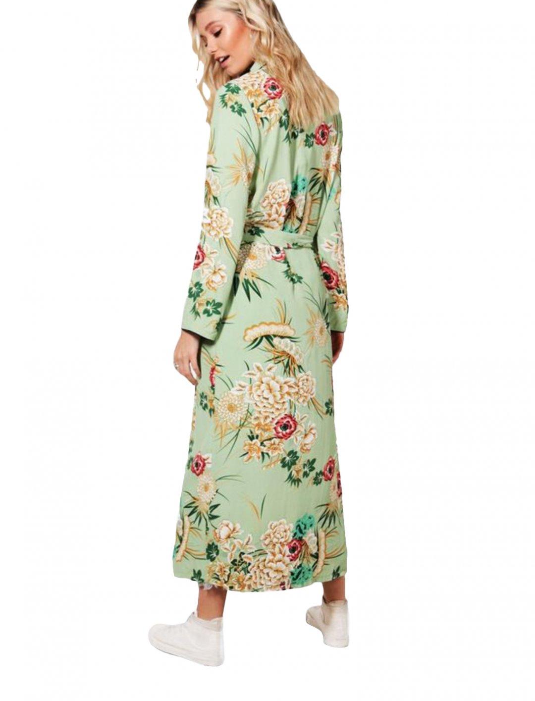 "Boohoo Floral Print Kimono {""id"":5,""product_section_id"":1,""name"":""Clothing"",""order"":5} Boohoo"