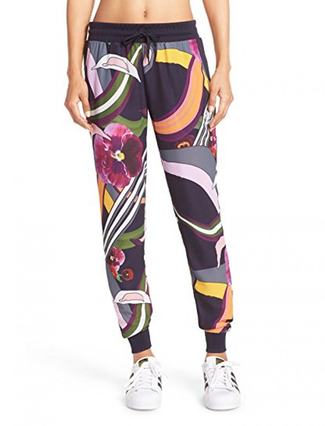 """Adidas Jogging Pants {""""id"""":5,""""product_section_id"""":1,""""name"""":""""Clothing"""",""""order"""":5} Adidas"""