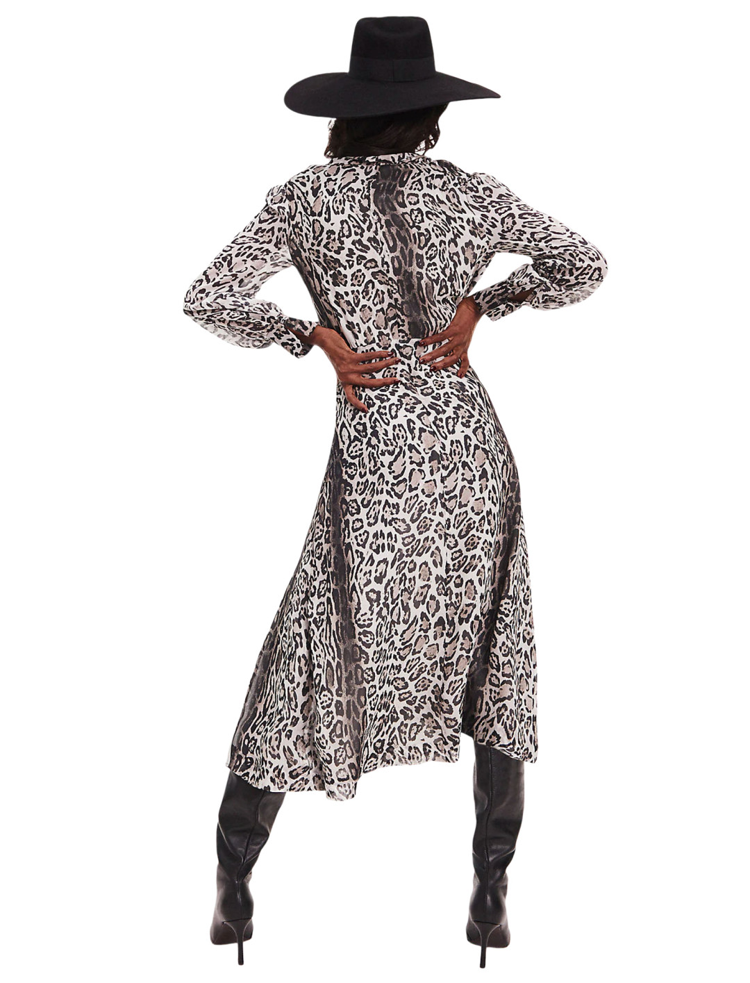 """Leopard Print Dress {""""id"""":5,""""product_section_id"""":1,""""name"""":""""Clothing"""",""""order"""":5} Tommy x Zendaya"""