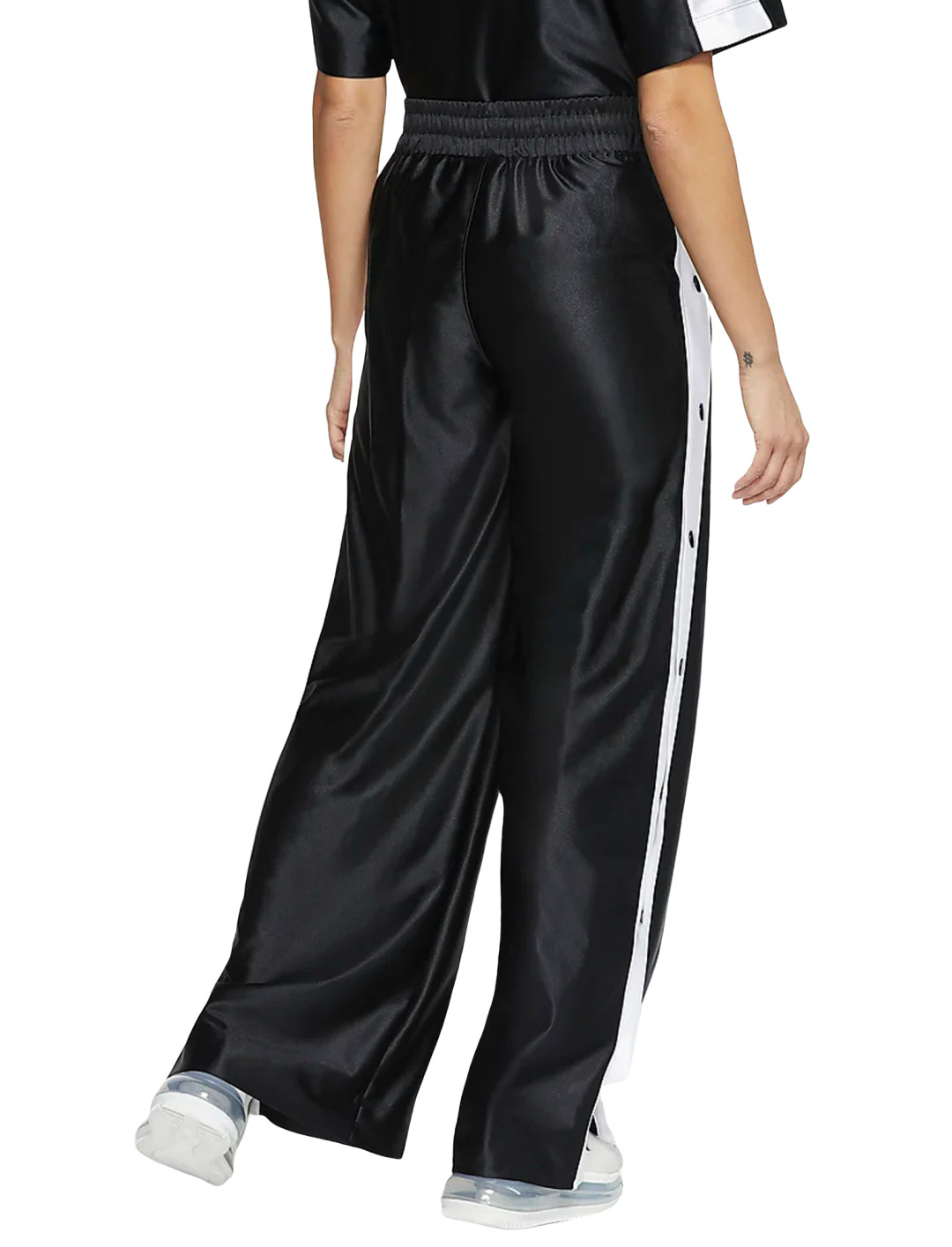 """Popper Trousers {""""id"""":5,""""product_section_id"""":1,""""name"""":""""Clothing"""",""""order"""":5} Nike"""