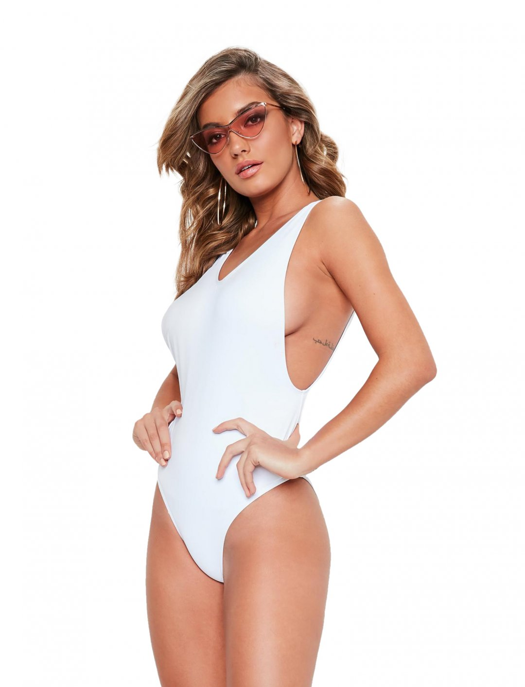 "Drop-Side Swimsuit {""id"":5,""product_section_id"":1,""name"":""Clothing"",""order"":5} Missguided"