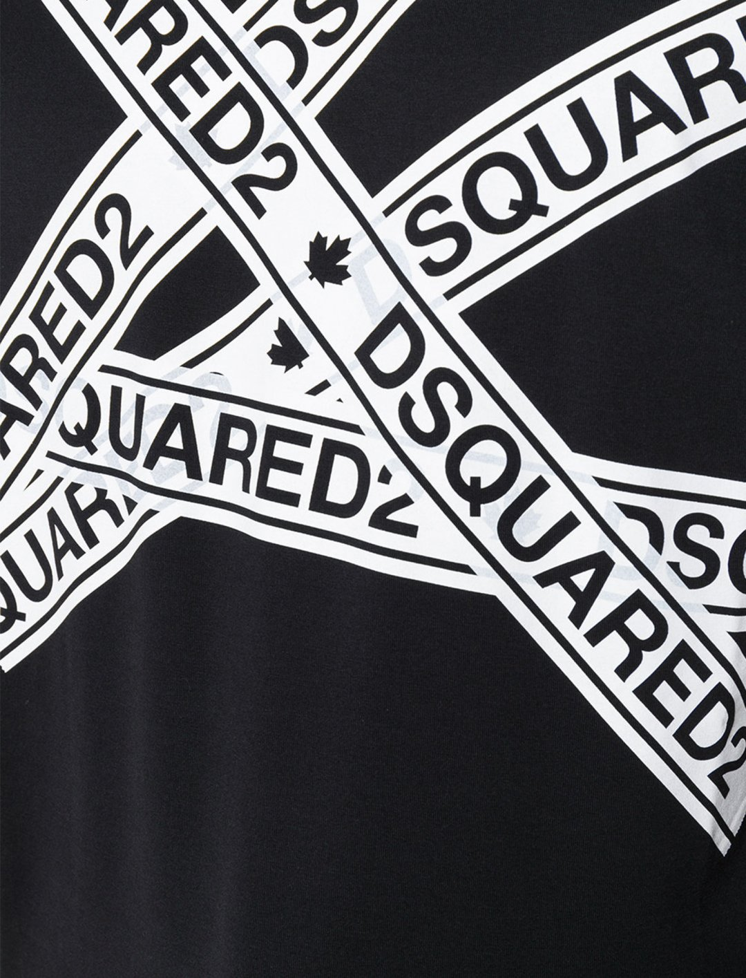 """Logo Strip T-Shirt {""""id"""":5,""""product_section_id"""":1,""""name"""":""""Clothing"""",""""order"""":5} Dsquared2"""