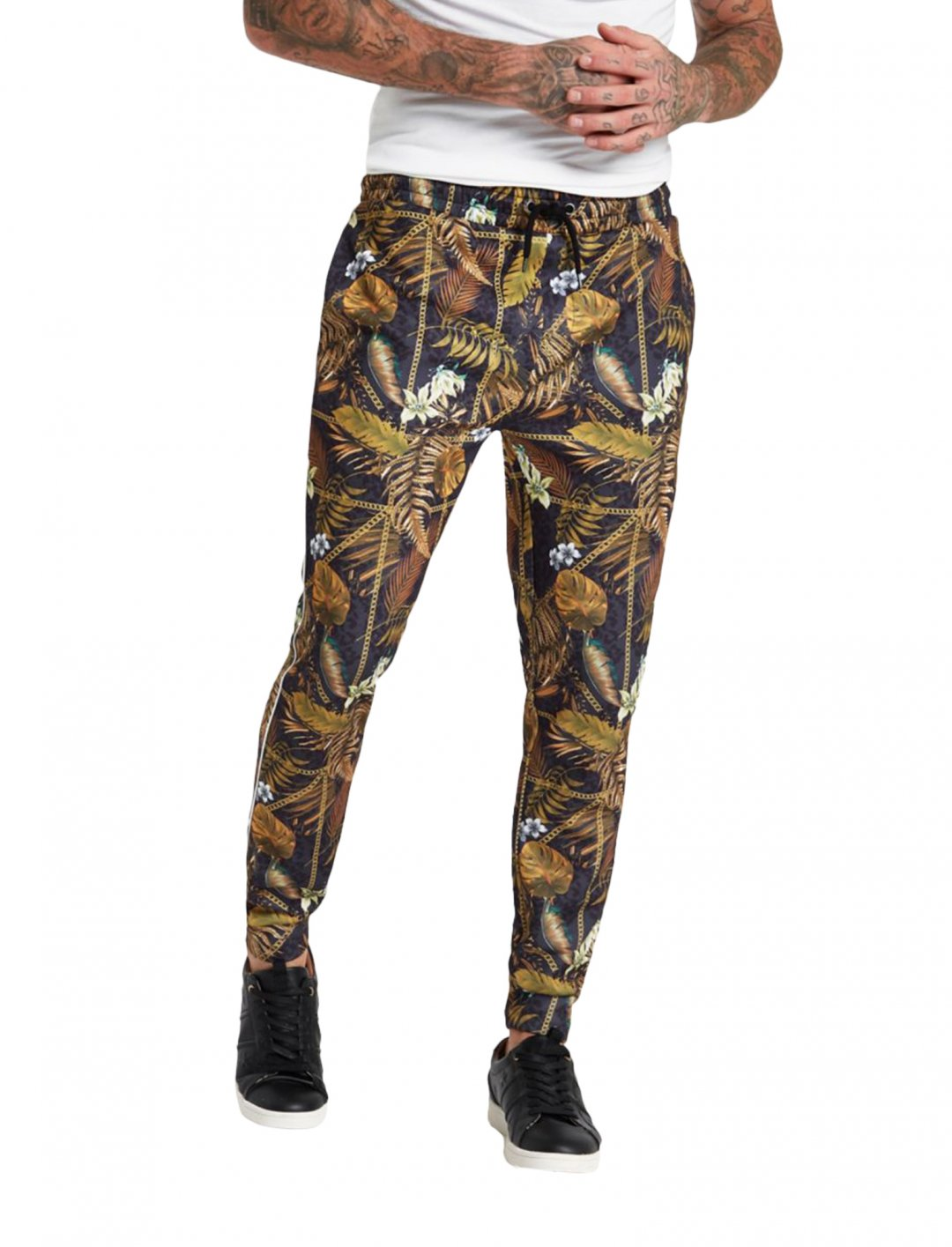 "Palm Chain Joggers {""id"":5,""product_section_id"":1,""name"":""Clothing"",""order"":5} River Island"