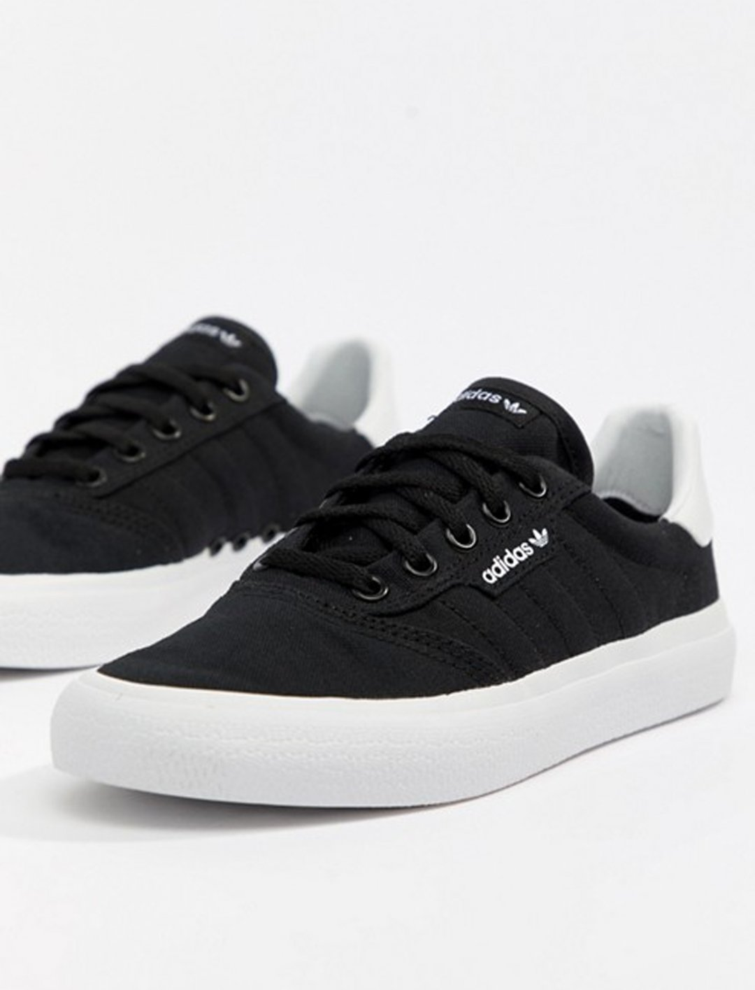 "Adidas Skateboarding Trainers {""id"":12,""product_section_id"":1,""name"":""Shoes"",""order"":12} Adidas"