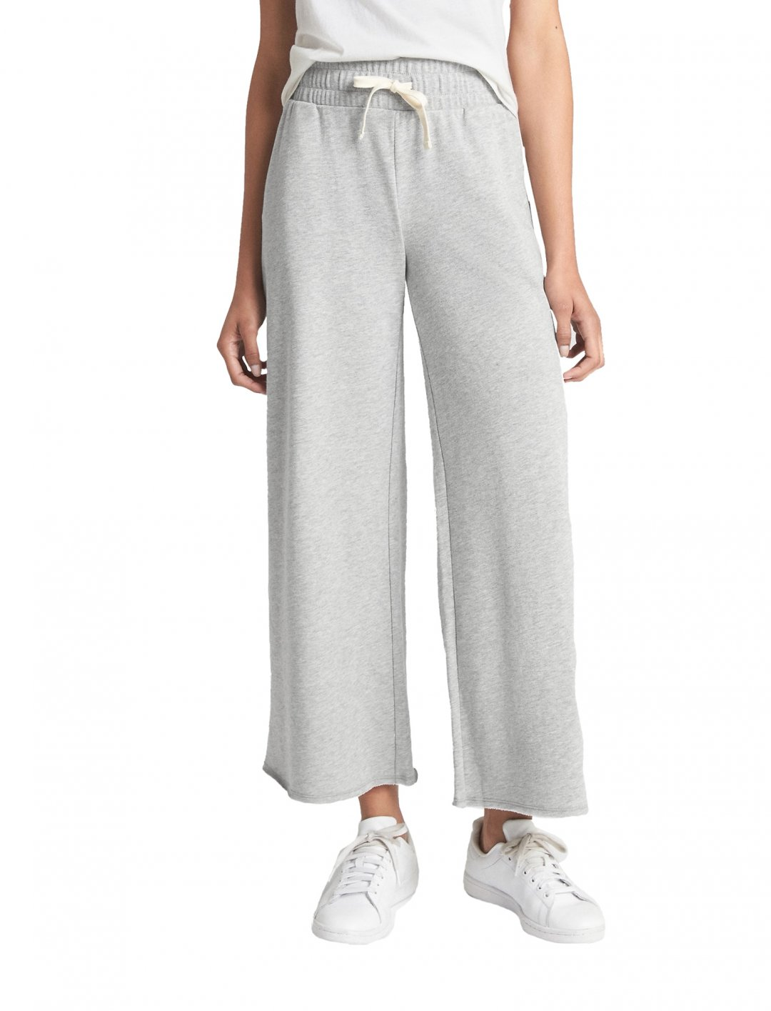 "Wide Drawstring Pants {""id"":5,""product_section_id"":1,""name"":""Clothing"",""order"":5} Gap"