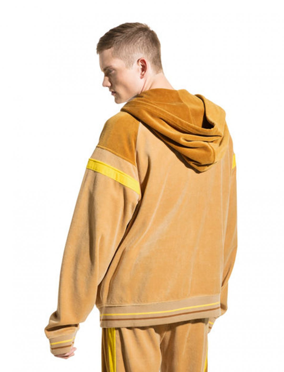 "Velour Track Jacket {""id"":5,""product_section_id"":1,""name"":""Clothing"",""order"":5} Puma"