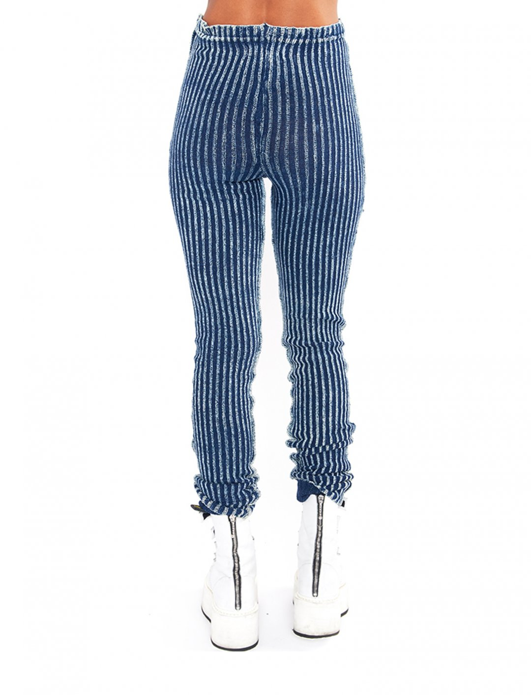 """Trousers In Blue {""""id"""":5,""""product_section_id"""":1,""""name"""":""""Clothing"""",""""order"""":5} Knorts"""