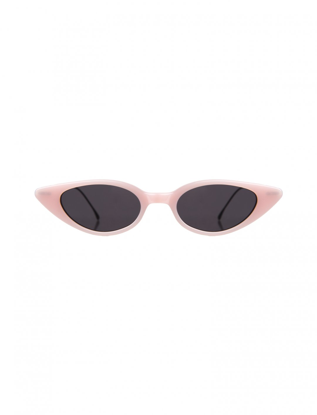 "Cat-Eye Sunglasses {""id"":16,""product_section_id"":1,""name"":""Accessories"",""order"":15} Illesteva"