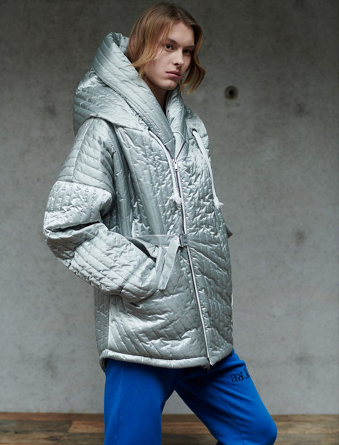 "Hex' Coat {""id"":5,""product_section_id"":1,""name"":""Clothing"",""order"":5} GEYM"