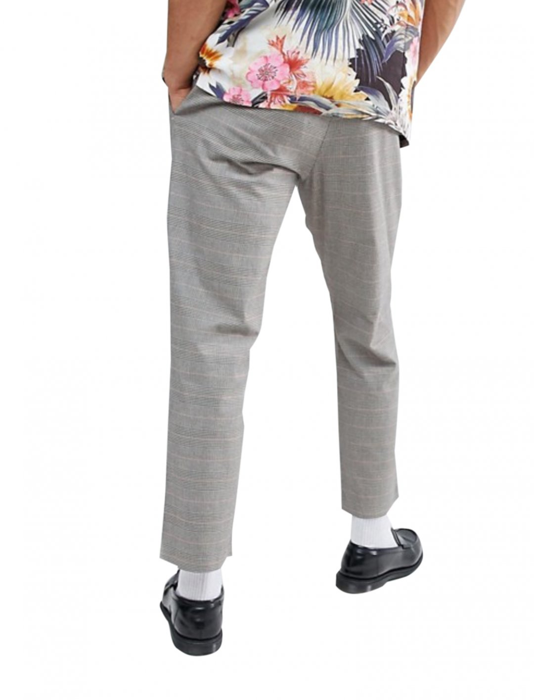 "Grey Check Trousers {""id"":5,""product_section_id"":1,""name"":""Clothing"",""order"":5} Mango"