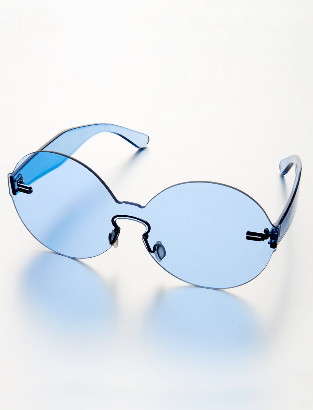 "Imani's Blue Sunglasses {""id"":16,""product_section_id"":1,""name"":""Accessories"",""order"":15} Imani x mysnapp"
