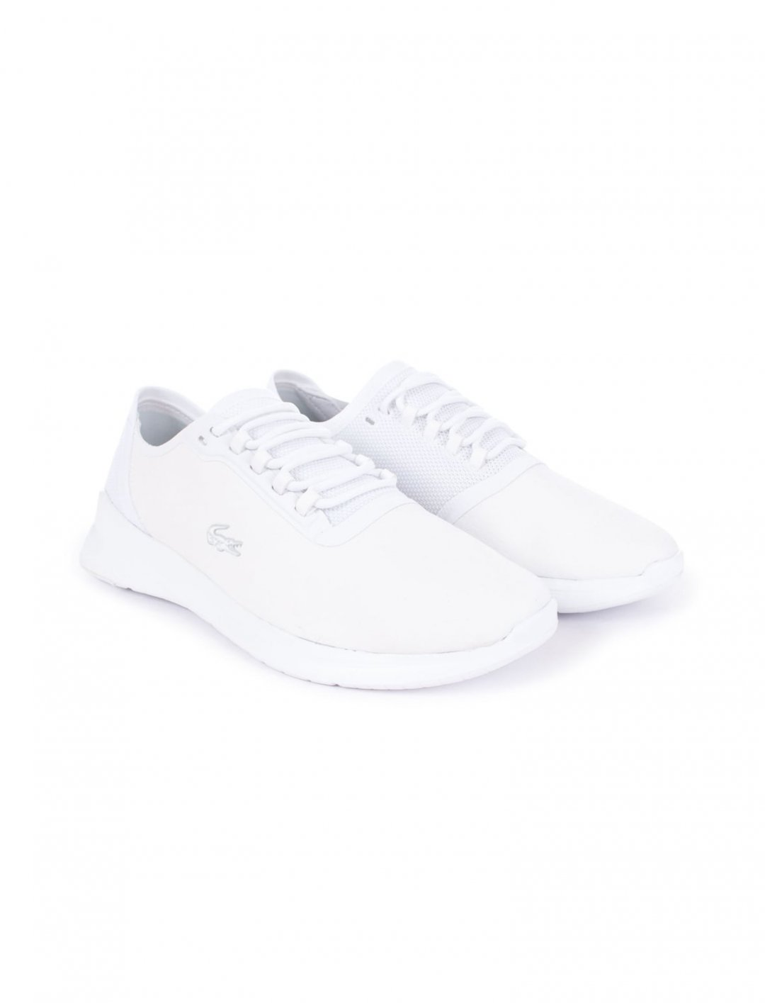 "Light Fit Trainers {""id"":12,""product_section_id"":1,""name"":""Shoes"",""order"":12} Lacoste"