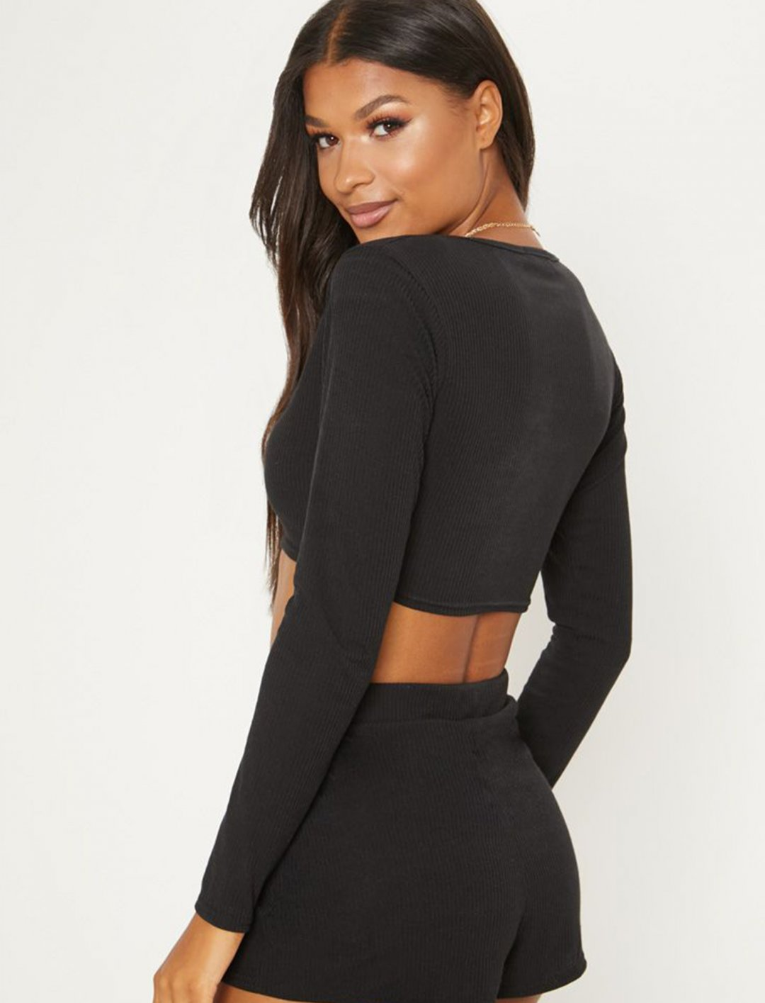 "Rib Button Detail Crop Top {""id"":5,""product_section_id"":1,""name"":""Clothing"",""order"":5} PLT"