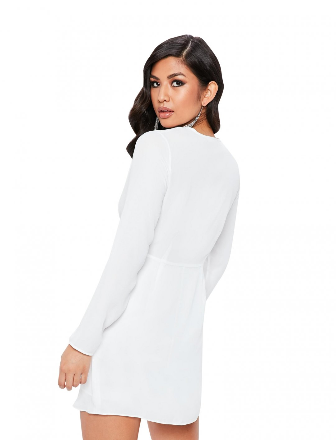 "Twist Front Shift Dress {""id"":5,""product_section_id"":1,""name"":""Clothing"",""order"":5} Missguided"