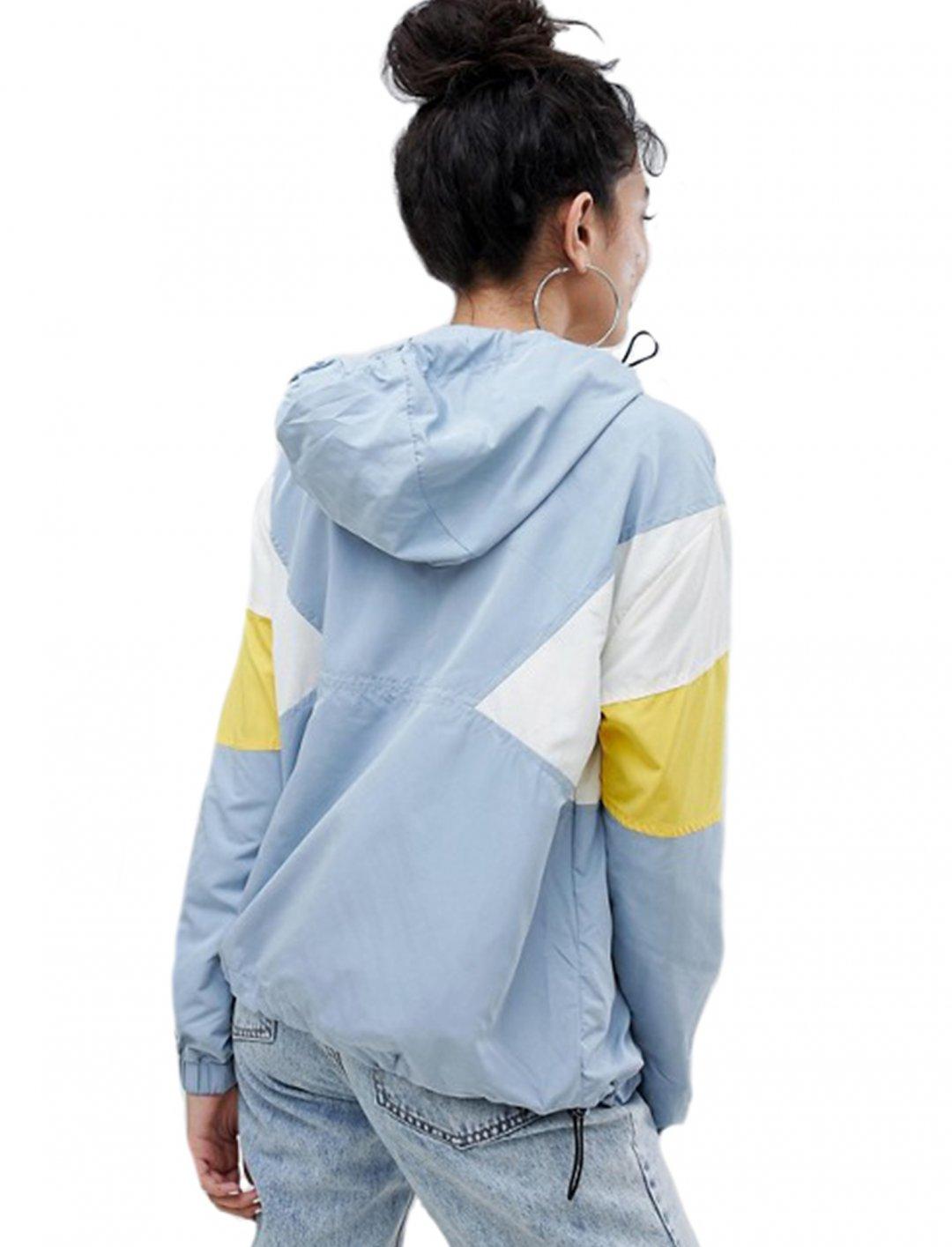 "Multi Colour-block Anorak {""id"":5,""product_section_id"":1,""name"":""Clothing"",""order"":5} Bershka"