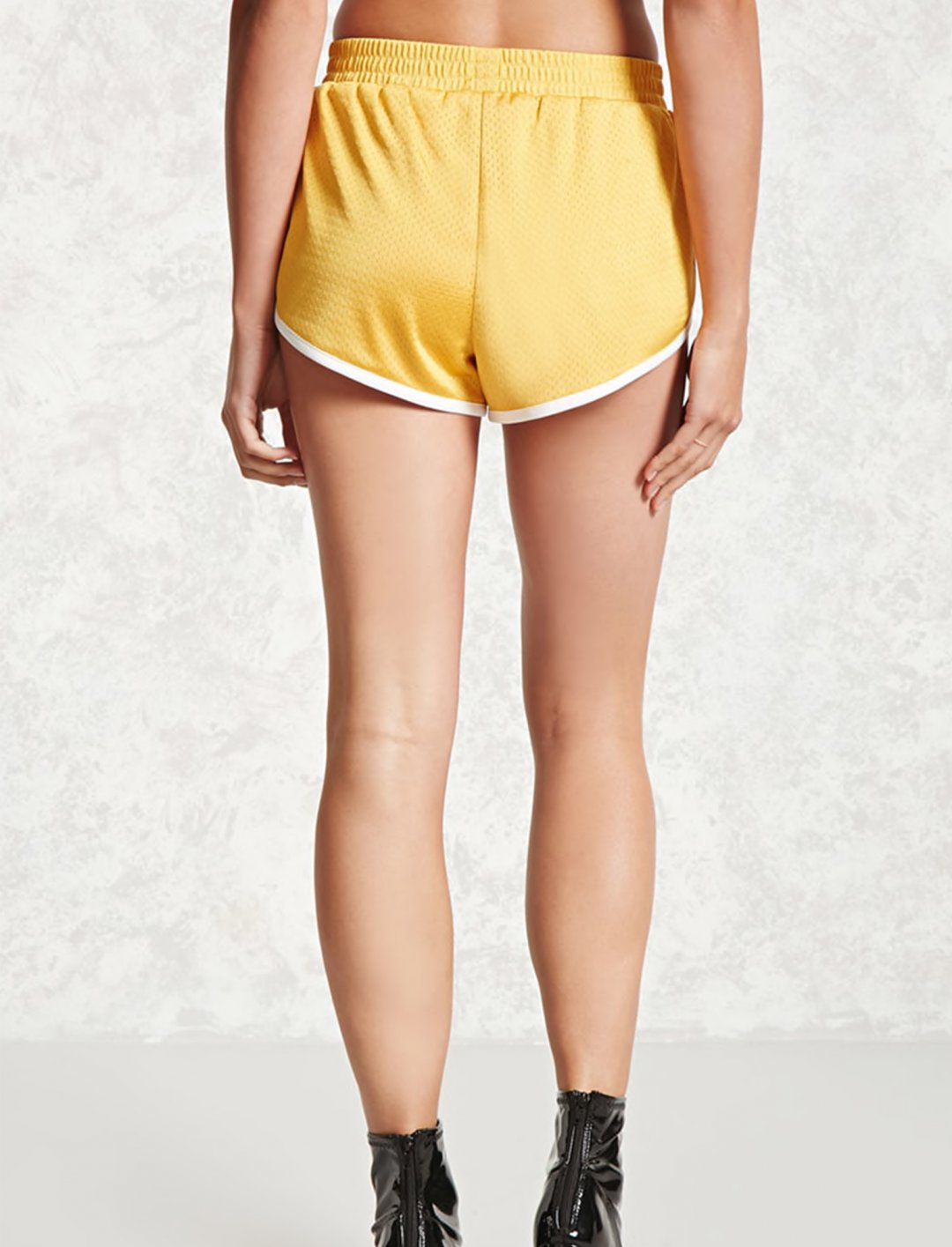 "Forever 21 Dolphin Hem Shorts {""id"":5,""product_section_id"":1,""name"":""Clothing"",""order"":5} Forever 21"