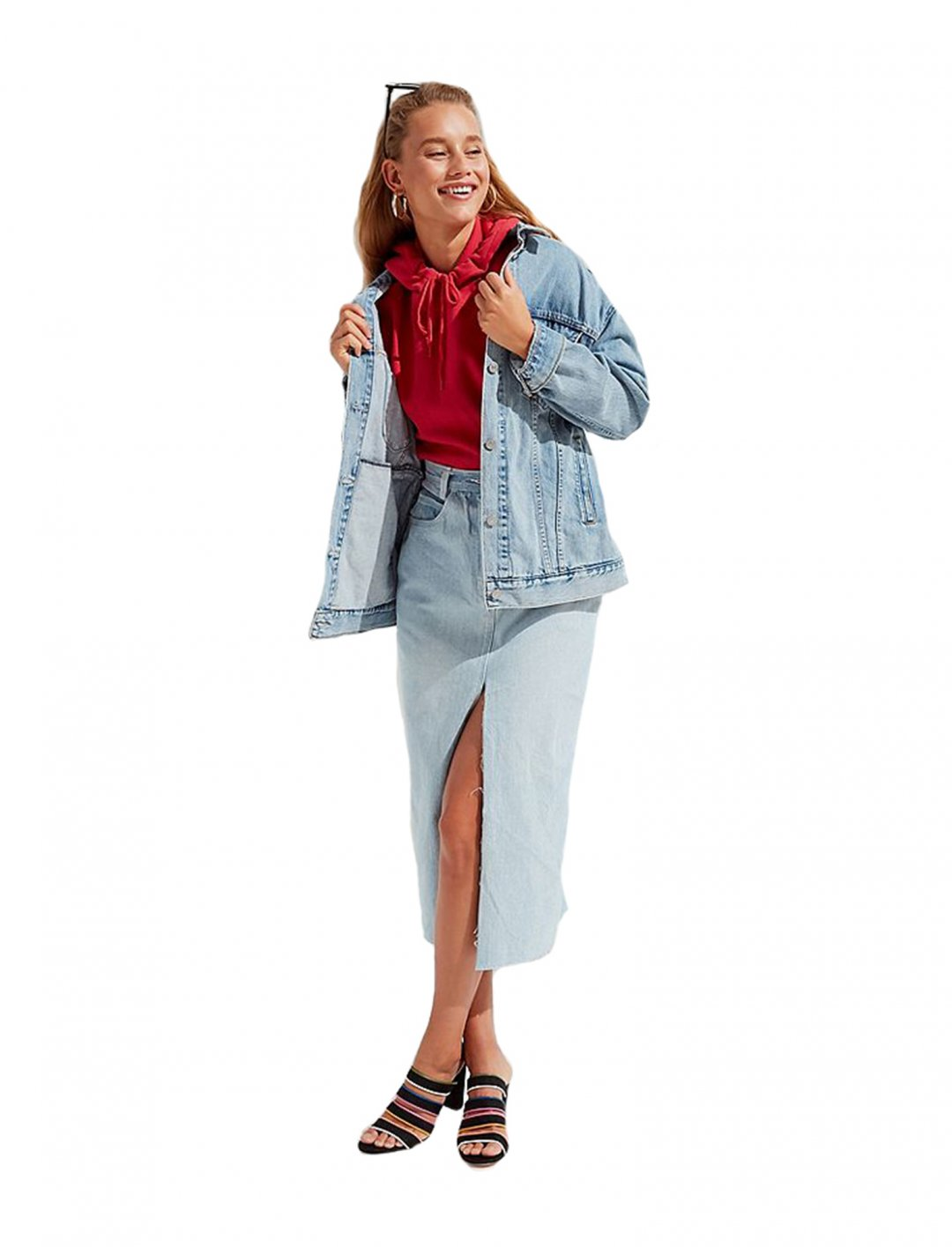 "Oversized Denim Trucker Jacket {""id"":5,""product_section_id"":1,""name"":""Clothing"",""order"":5} Levi's"