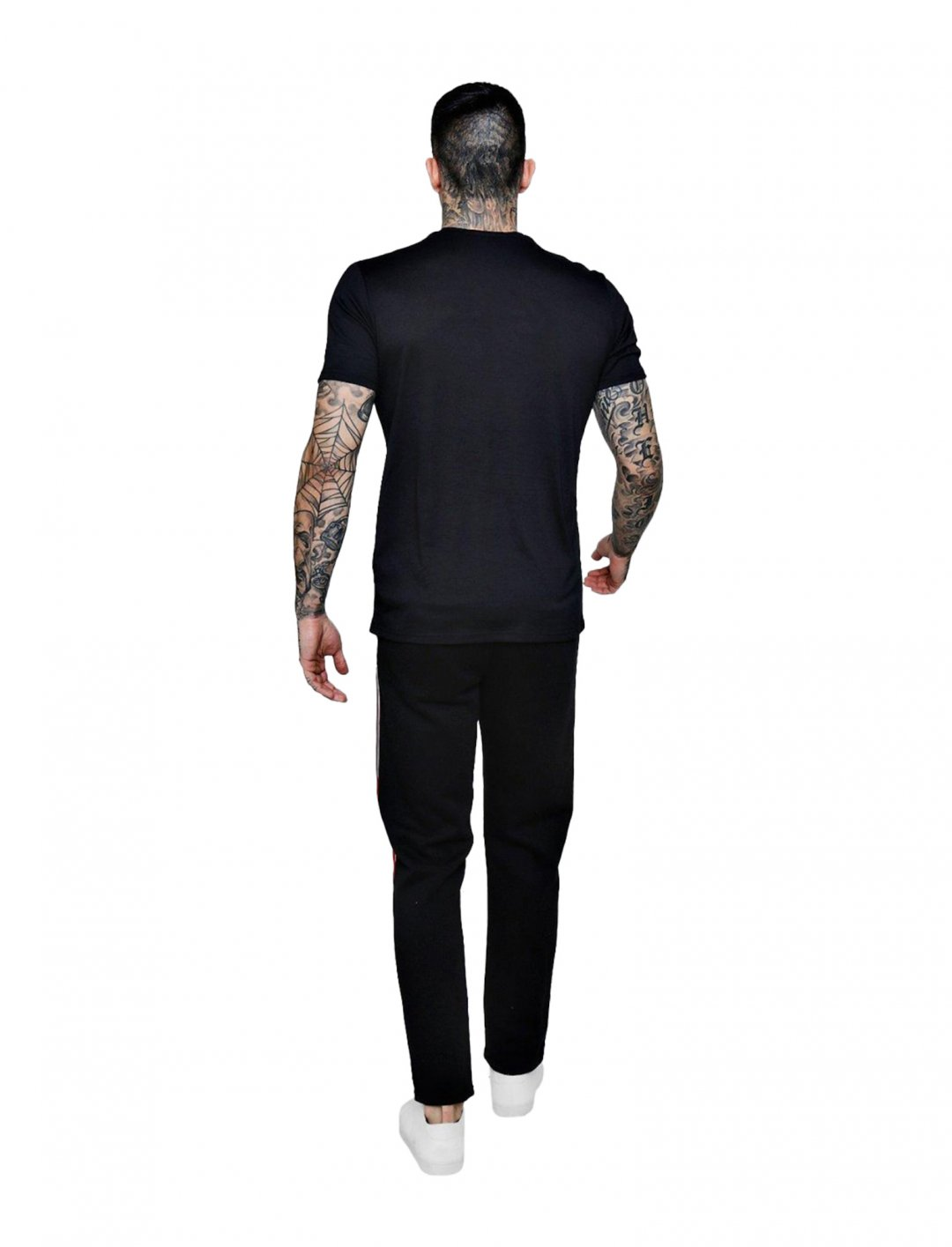 "BoohooMAN Badge T-Shirt {""id"":5,""product_section_id"":1,""name"":""Clothing"",""order"":5} BoohooMAN"