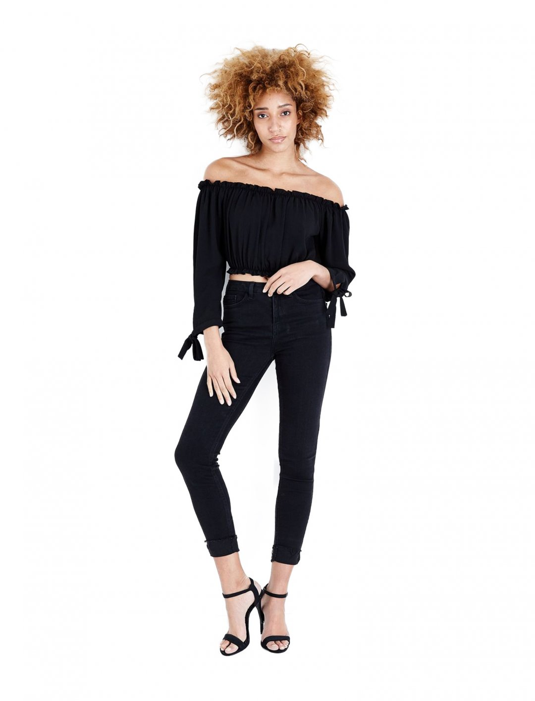 "New Look Bardot Neck Crop Top {""id"":5,""product_section_id"":1,""name"":""Clothing"",""order"":5} New Look"