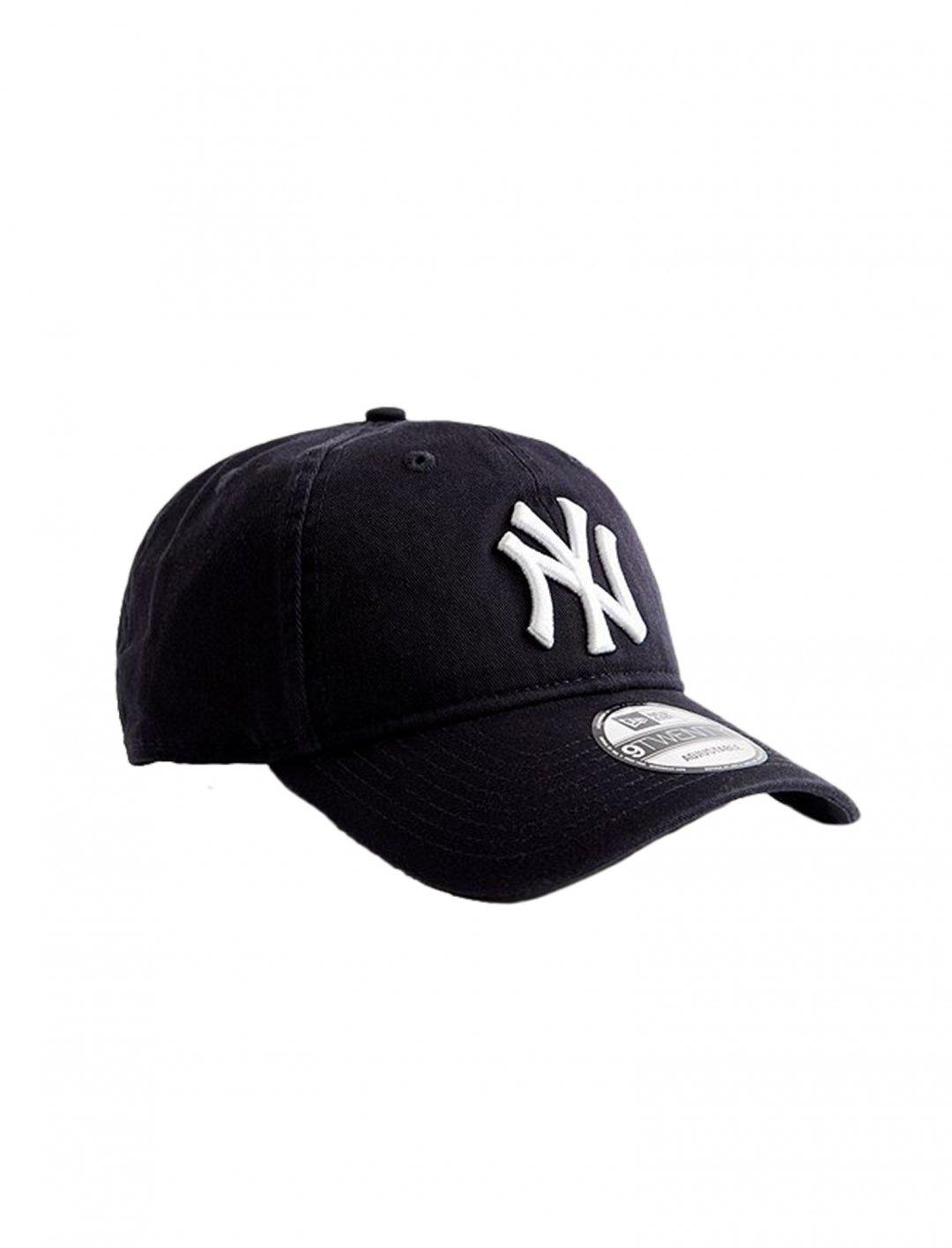 "New Era NY Yankees Cap {""id"":5,""product_section_id"":1,""name"":""Clothing"",""order"":5} New Era"