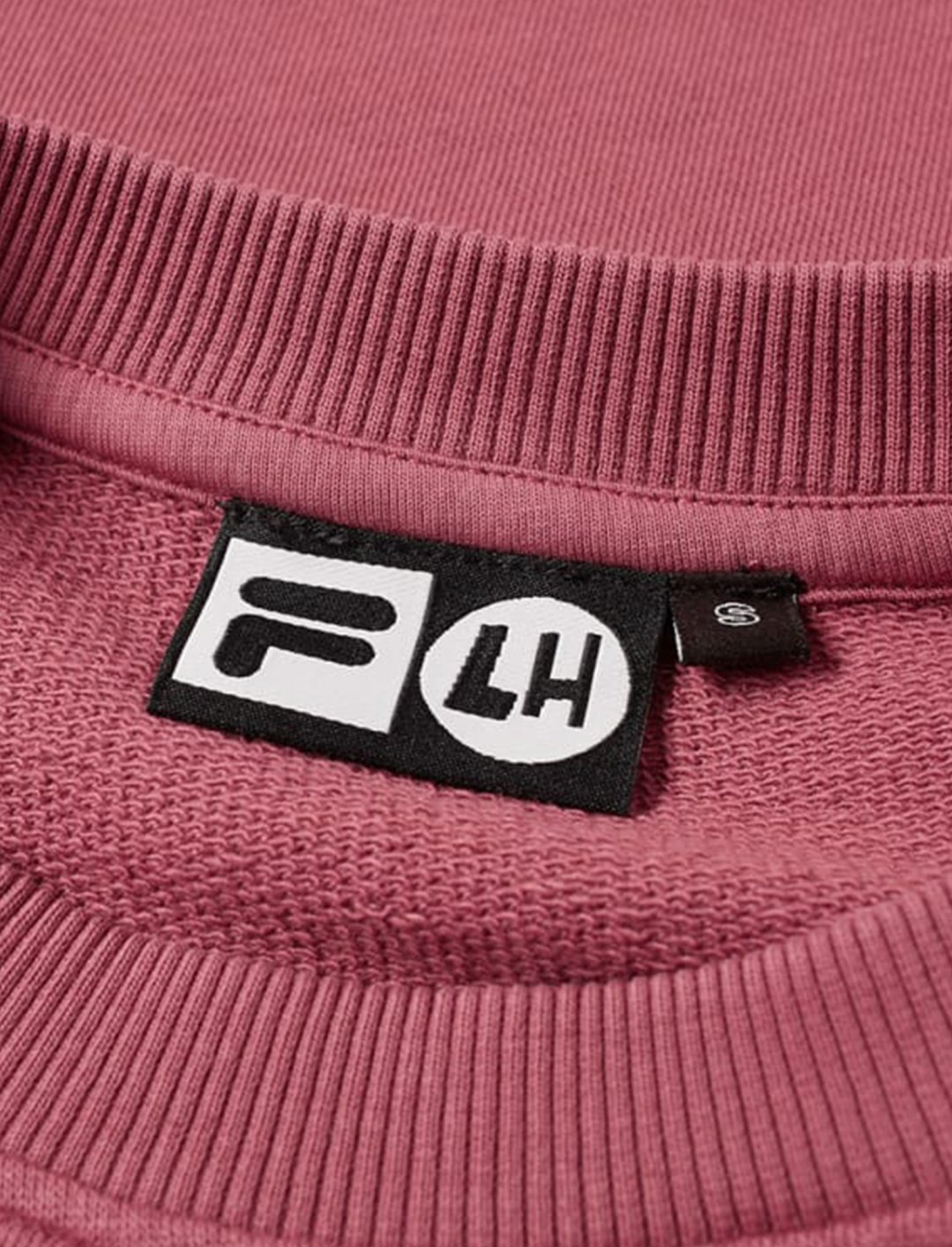 "Logo Crew Sweat {""id"":5,""product_section_id"":1,""name"":""Clothing"",""order"":5} Fila x Liam Hodges"