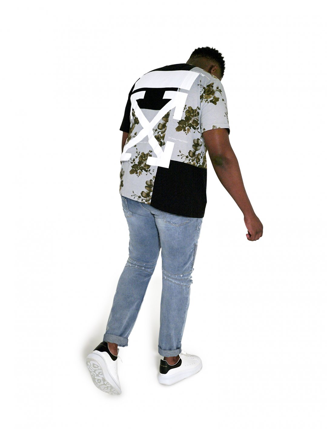 "Lotto Boyzz' Floral Print T-Shirt {""id"":5,""product_section_id"":1,""name"":""Clothing"",""order"":5} Off - White x Browns"