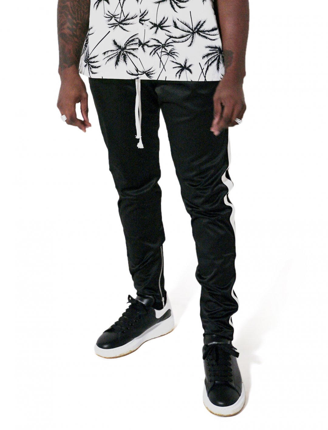 "Lotto Boyzz' Joggers With Stripe {""id"":5,""product_section_id"":1,""name"":""Clothing"",""order"":5} ADYN"