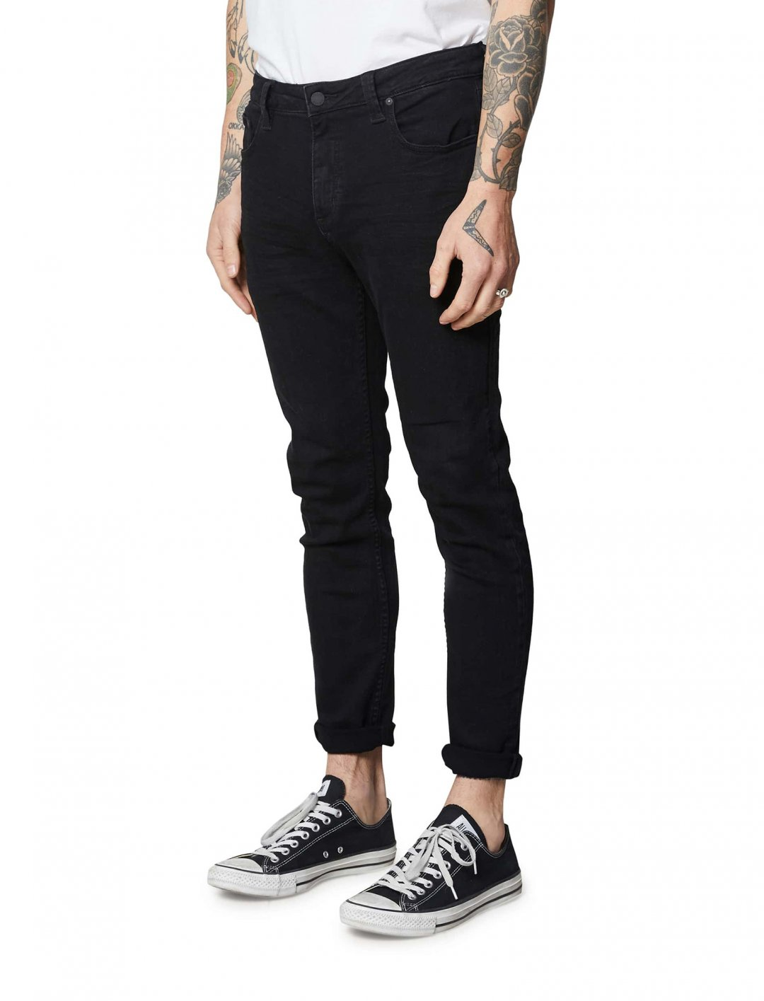 "Slim Fit Jeans {""id"":5,""product_section_id"":1,""name"":""Clothing"",""order"":5} Rollas Rollies"